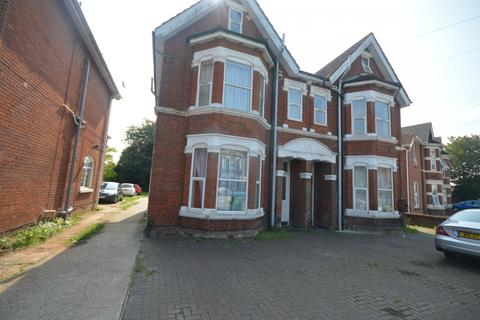 Studio to rent - |Ref:LG-F5| 45 Landguard Road, Southampton, Hampshire, SO15