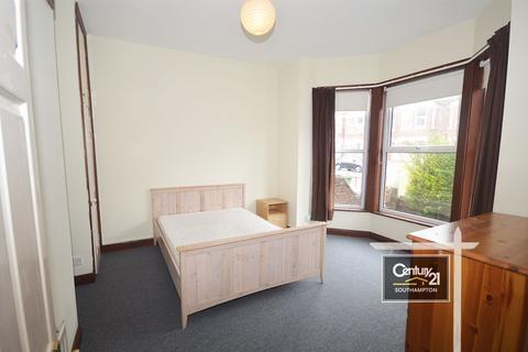 8 bedroom semi-detached house to rent - Wilton Avenue, Southampton, SO15 2HA