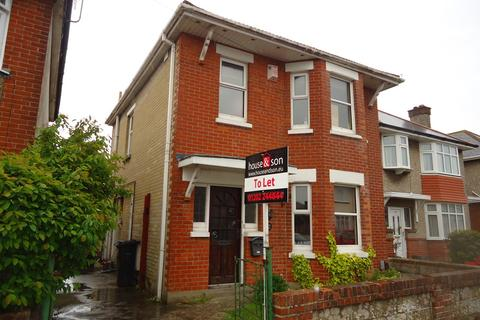 4 bedroom detached house to rent - Beswick Avenue, Ensbury Park, Bournemouth