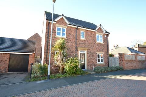 4 bedroom detached house for sale - Links Way, Drighlington, Bradford
