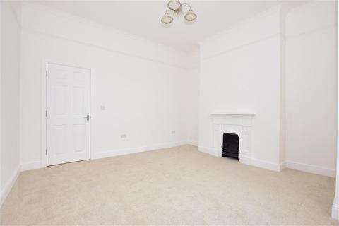 2 bedroom ground floor flat for sale - London Road, Sholden, Deal, Kent