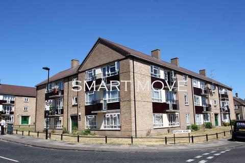 2 bedroom flat to rent - Ponders End, EN3