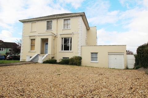 2 bedroom flat to rent - Hales Road, Cheltenham GL52 6TA