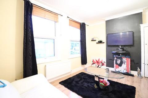 2 bedroom detached house for sale - Glenwood Road, Catford, London, Greater London. SE6 4NF