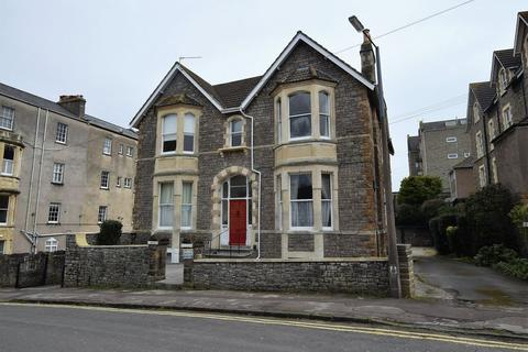 2 bedroom apartment for sale - A stone's throw from Clevedon Sea Front