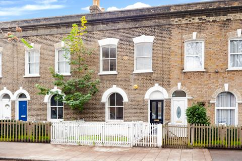 4 bedroom terraced house to rent - Lynton Road  SE1 TO LET
