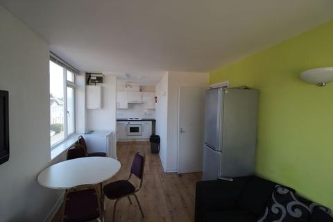 3 bedroom apartment to rent - AVAILABLE SEPTEMBER 2021 -3 Double Bedroom Student Flat - Bournemouth