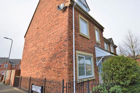 3 bedroom terraced house to rent - Catherine Way, Newton-Le-Willows