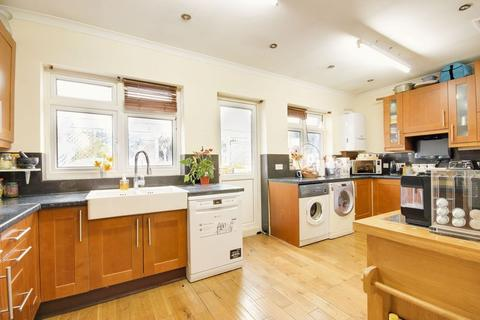 5 bedroom terraced house for sale - Melbourne Avenue, Palmers Green, N13
