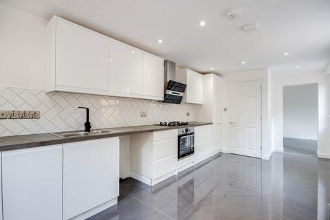 3 bedroom terraced house for sale - Russell Road, Bowes Park, N13