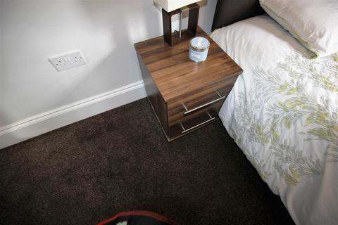 1 bedroom house share to rent - Plodder Lane, Farnworth, Bolton