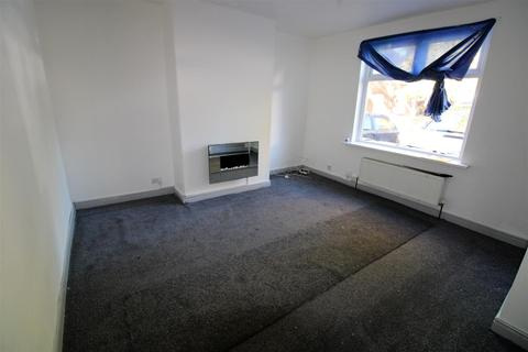 3 bedroom house to rent - The Close, Bolton