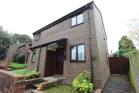 2 bedroom semi-detached house to rent - Hollybrook Close, Southampton, SO16