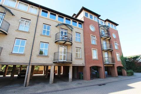 3 bedroom flat to rent - Asturias Way, Southampton, SO14