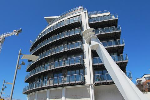 2 bedroom penthouse to rent - Channel Way, Ocean Village, Southampton, SO14