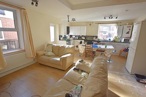 6 bedroom semi-detached house to rent - Kimbolton Avenue Nottingham NG7