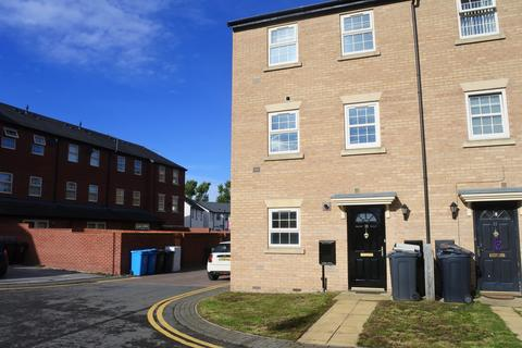 2 bedroom townhouse to rent - Boothferry Park Halt, Hull