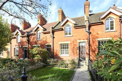 3 bedroom terraced house for sale - Medfield Street, Putney, London, SW15