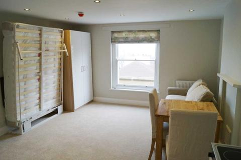 Studio to rent - Clouds Hill Road, St. George, Bristol