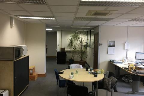 Office to rent - Northfleet