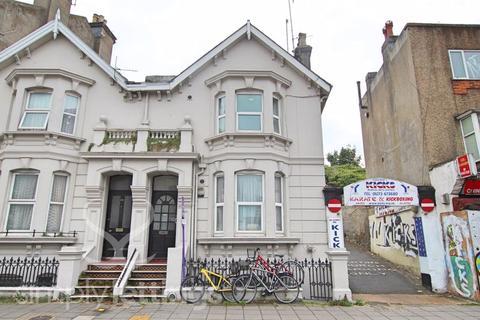 Studio to rent - Lewes Road, Brighton