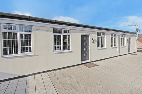 2 bedroom apartment to rent - Warminster Road, Westbury