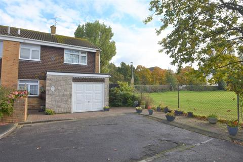 3 bedroom semi-detached house for sale - Dunlin Close, Southsea