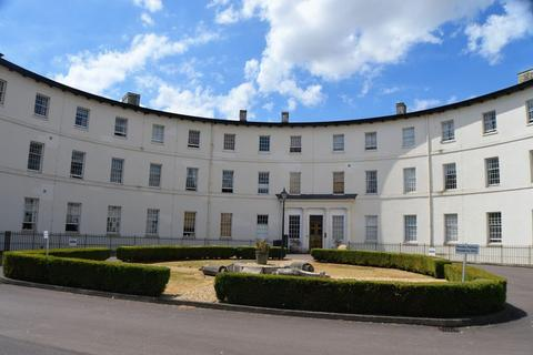 2 bedroom apartment to rent - The Crescent, Gloucester