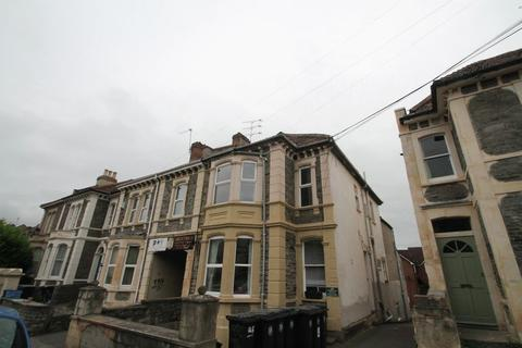 3 bedroom flat to rent - *STUDENT PROPERTY* North Road, St Andrews, Bristol, BS6