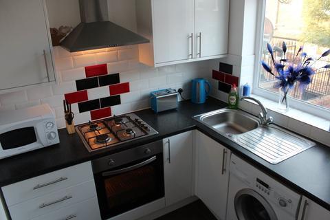 3 bedroom flat share to rent - 3 Bedroom Flat on Wilmslow Road, Rusholme
