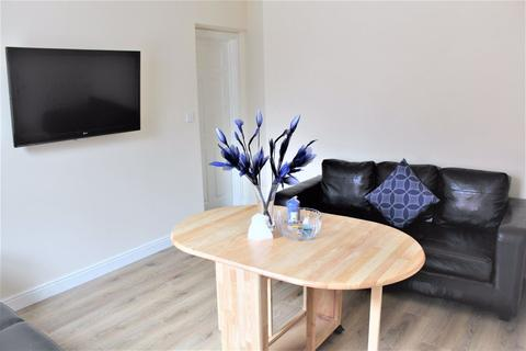 5 bedroom house share to rent - 5  Bedroom On Albion Road, Fallowfield