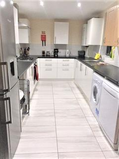 5 bedroom house share to rent - 5 Bedroom property on Cawdor Road,Fallowfield