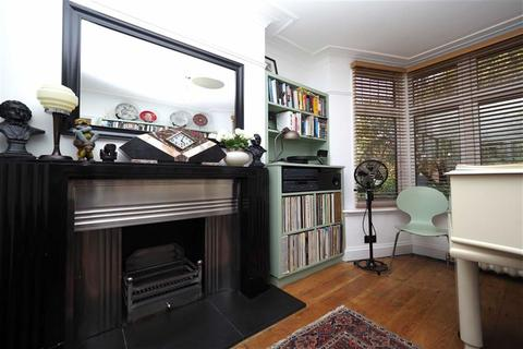 3 bedroom semi-detached house for sale - Bushmoor Crescent, Shooters Hill, London, SE18