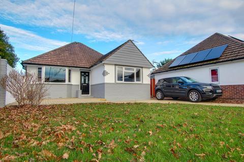 3 bedroom detached house for sale - Castle Lane West, Bournemoth