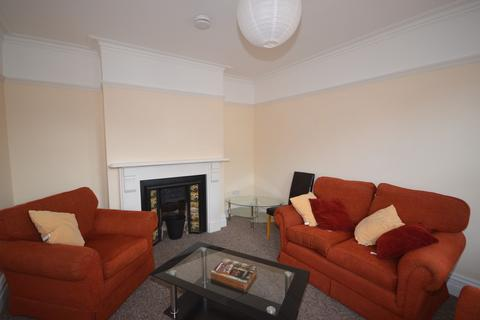 5 bedroom detached house to rent - Osborne Road, Winton, Bournemouth