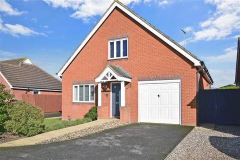 4 bedroom detached house for sale - Foxdene Road, Seasalter, Whitstable, Kent