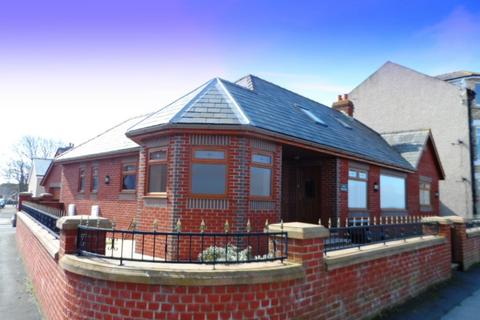 2 bedroom detached bungalow to rent - New Homestead, Knott End, FY6 0AN