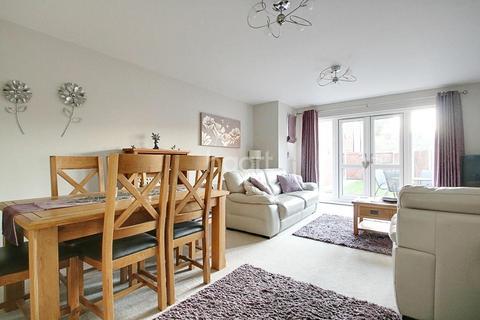 3 bedroom semi-detached house for sale - Pound Close, Oldbury