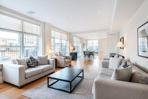 3 bedroom apartment to rent - Stukeley Street, Covent Garden, WC2B