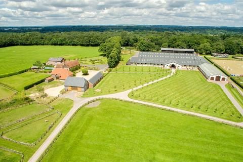 4 bedroom equestrian property for sale - Headley House and Stud, Headley, Newbury, Berkshire, RG19