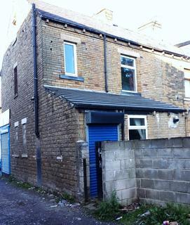 3 bedroom flat to rent - Thornbury Avenue, Bradford BD3
