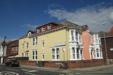 Studio to rent - Waverley Road, Southsea, PO5