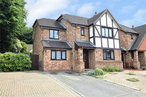 4 bedroom semi-detached house for sale - Melrose Road, WEYBRIDGE, Surrey