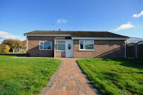 3 bedroom bungalow for sale - Acle