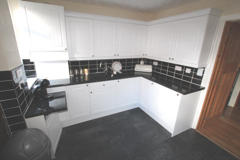 2 bedroom ground floor flat for sale - Royton Road, Liverpool, L22