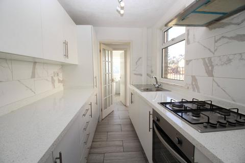 3 bedroom terraced house to rent - Cecil Road, Gravesend, Kent, DA11