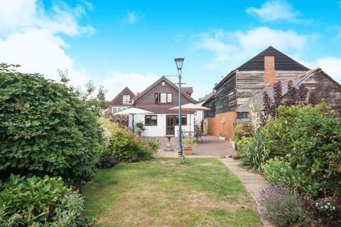 2 bedroom detached house for sale - High Street, Edenbridge
