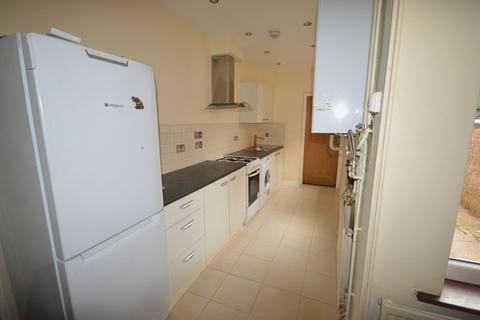 4 bedroom terraced house to rent - Burnmoor Street, LE2
