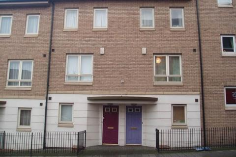 4 bedroom townhouse to rent - Augusta Court, Market Street, Exeter
