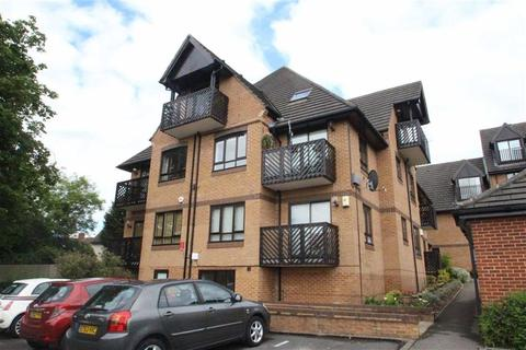 1 bedroom flat for sale - Boleyn Court, Buckhurst Hill, Essex